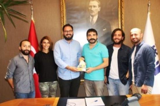 THE BODRUM CUP'TAN GENÇ BAŞKAN VEKİLİNE TEŞEKKÜR PLAKETİ